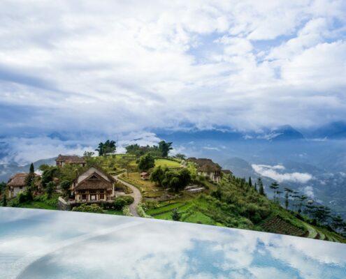 Blick vom Infinity Pool der Topas Eco Lodge