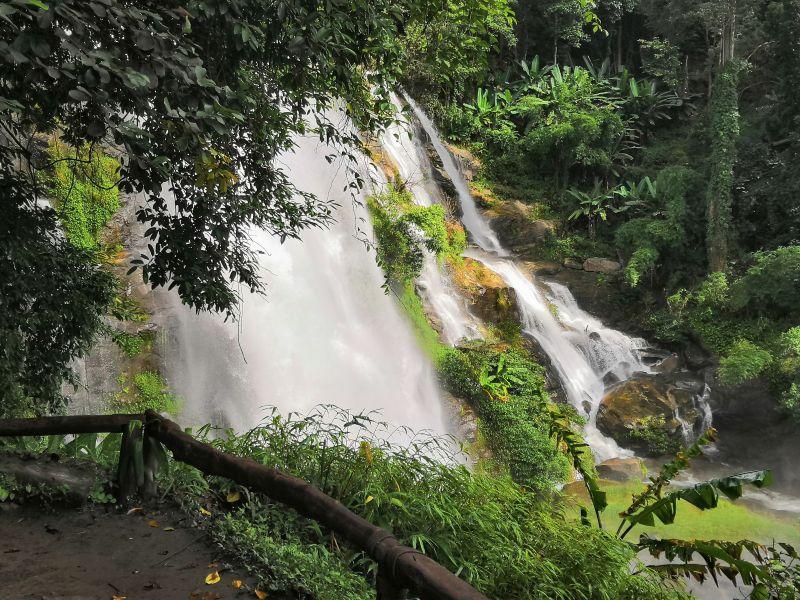 Wasserfall Urwald Asien