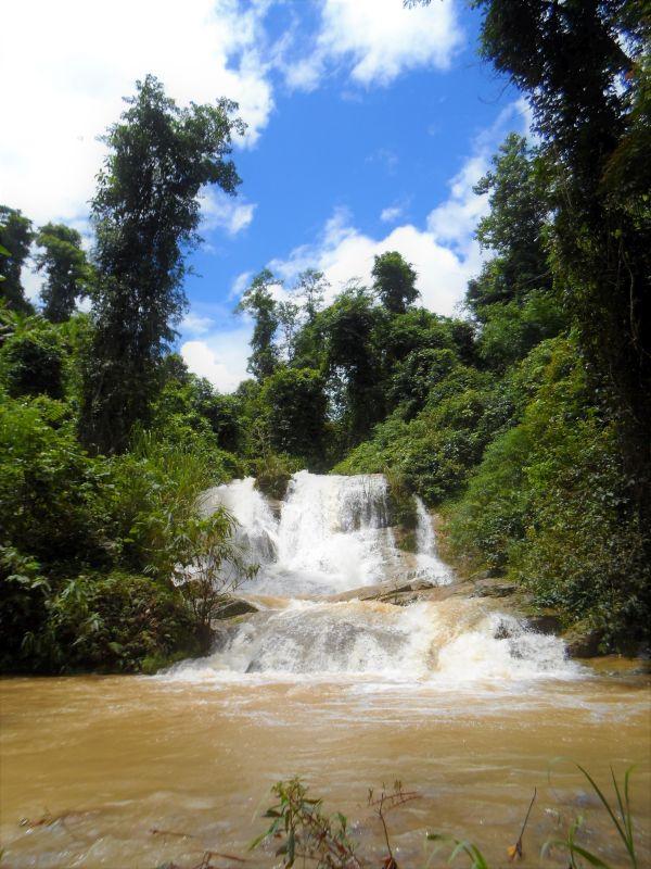 Laos Norden Bergwelt - Wasserfall, Wanderung