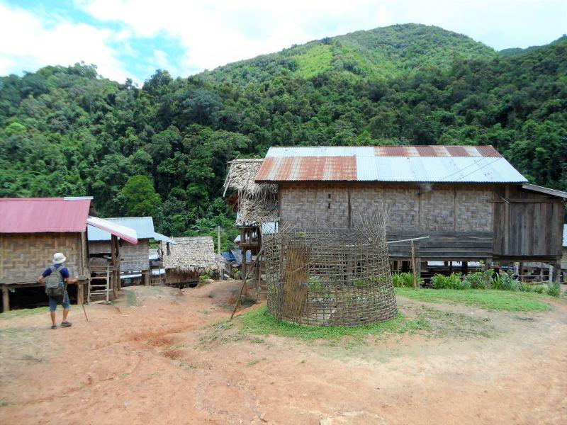 Laos Norden Bergwelt - einheimisches Dorf, Wanderung