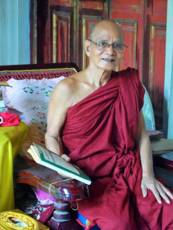 Freundlicher Mönch in Myanmar