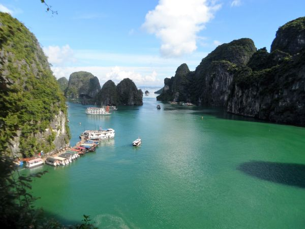 Zauberhafte Halong Bucht in Vietnam