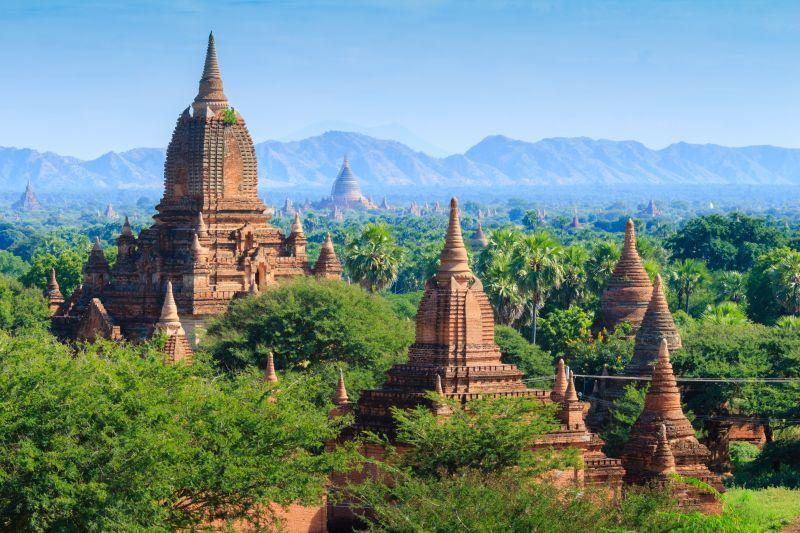 Ananda Pagode in den Tempelfeldern von Bagan