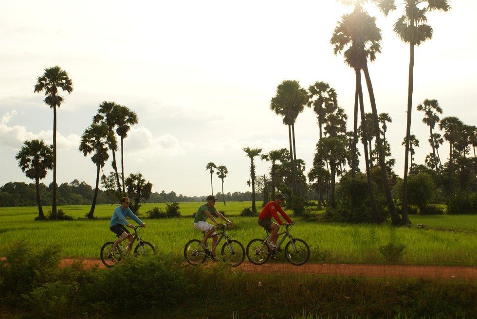 Fahrradtour auf dem Lang bei Battambang Kambodscha