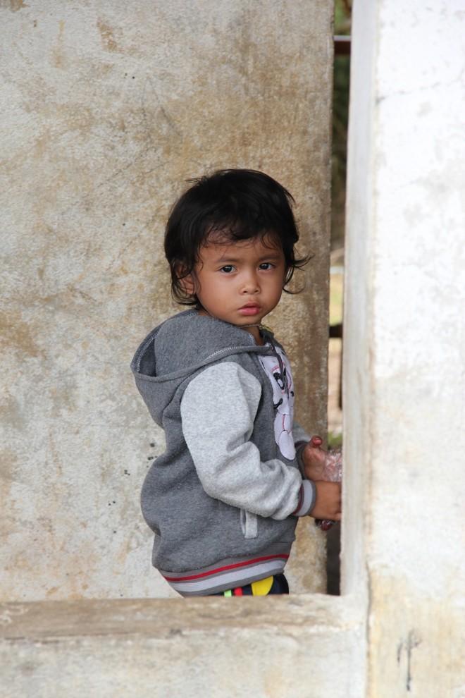 ein kleiner Junge in Laos Süden Champasak