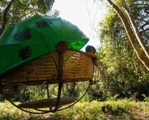 """Ungewoehnliche Unterkunft """"Nest"""" auf der Nachtsafari"""