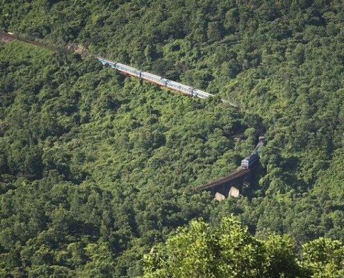 Vietnam Zug von oben - Hue Pass