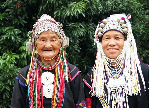 Myanmar_akha Volk_bunte Trachten